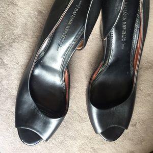 BANANA REPUBLIC Leather Peep Toe Wedge 9.5M BLACK